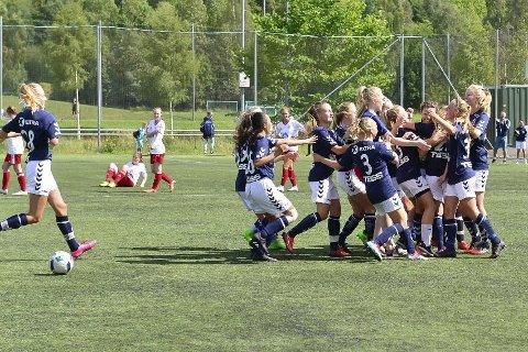JUBEL: Det er mye jubel i Lier-fotballen, her fra Norway Cup der Lier endte på tredjeplass i 2017.