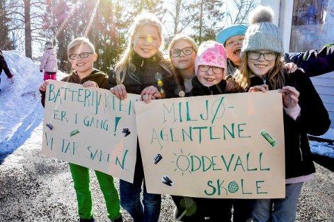 KLARE TIL INNSATS: Kristian Olafsen, Malene Svae, Tuva Paulsen, Mina R. Hauslo, Philip Gustavsen og Nikoline Freilem-Stenersen er klare til å gjøre en innsats for naturen og miljøet.