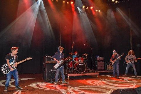 JUMP: The Extended Dudes imponerte med Van Halens klassiker.