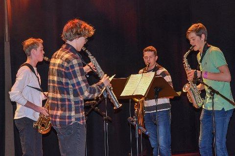 QUATTRO SAXOFON: Kvartetten imponerte med Serenade Comique og gikk videre til fylkesfinalen i Ål.