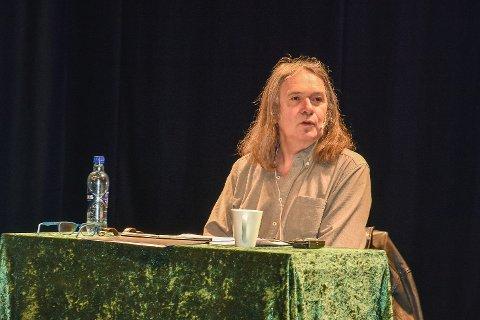 GJENSYN MED ELLING: Ingvar Ambjørnsen lot publikum få et innblikk i Ellings verden via bloggstemmen til den folkekjære karakteren.