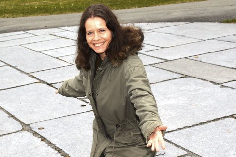 BYR OPP: Kulturrådgiver Nina Guzman Toft i Lier kommune inviterer hele Lier til en TILT Flashmob-dans i amfiet ved Rådhusplassen fredag klokken 11.00.