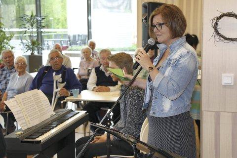 TAKKNEMLIG: Siv Aida Nygård Berntzen fra Fosshagen takket for den generøse gaven.