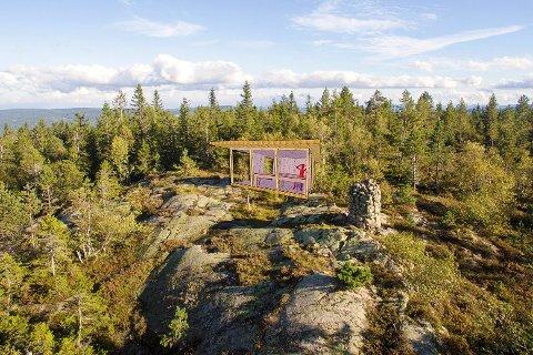 Tak over hodet: Om noen måneder vil en åpen hytte som denne stå på toppen av Gjevlekollen. Her kan turgåere ta seg en pust i bakken og nyte utsikten.