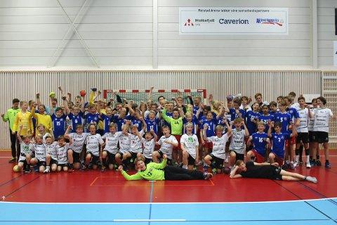 FULL HALL: 48 gjester fra Danmark, samt flere av Reistad ILs guttelag, fylte Reistad Arena med håndballglede og mye moro.