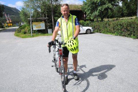 På'n igjen: Etter turen for to år siden var han sikker på at det ble med den ene turen på sykkelsetet fra Nordkapp til Lindesnes. To år senere er Nils Haugen i gang igjen, men denne gang motsatt vei.