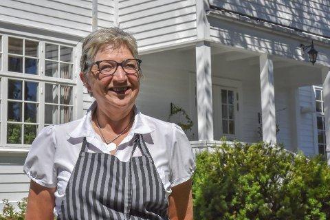 Nå er det slutt: Ellen Vinge har tilbrakt utallige timer på Haugestad gjennom de 15 årene hun var drivkraften bak stedet. Nå er nøklene avlevert og Ellen dro rett til fjells med ektemannen Leif Vinge for å slappe av litt.