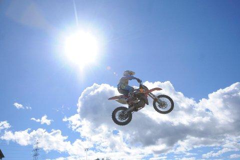 Motocrossfest: I helgen blir det mye moro i Leirdalen.