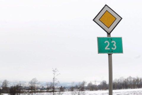 Riksvei 23: Debatten fortsetter–spesielt etter informasjonen om at prosjektet blir 900 millioner dyrere. Arkivfoto
