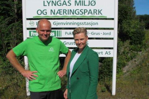 SIER NEI: Gruppeleder i Lier Senterparti Espen Lahnstein og nestleder Anne Beathe Tvinnereim i Senterpartiet sentralt ved nedkjøringen til Lyngås næringspark, der Stena Recycling ønsker å etablere et nytt anlegg.