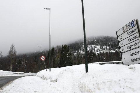 Gleder seg: Nederst i Eikseterveien er fortauet på plass. Nå ser beboere i området fram til at det forlenges opp til Sognaveien.FOTO: PÅL A. NÆSS