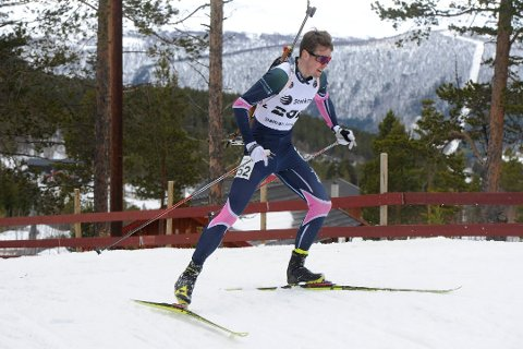 Tilbake på rekordtid: Drøye to måneder etter at han røk et leddbånd i ankelen ble Aleksander Morsund Karlsen nummer 11 på sprinten i norgescupåpningen i skiskyting på Geilo.  – Gøy at det går såpass bra allerede, forteller 22-åringen fra Eikenga.