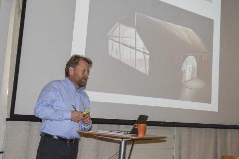 Har trua: Harald Oskar Buttedahl sier alt går som det skal i forbindelse med mathallprosjektet. Her fra et møte på Renskaug. arkivfoto