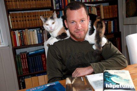 BARNEBOK: Nicolai Houm fra Sylling har flere kritikerroste voksenromaner bak seg. I morgen (fredag) lanserer han sin første barne- og ungdomsbok. Arkivfoto: Stein Styve