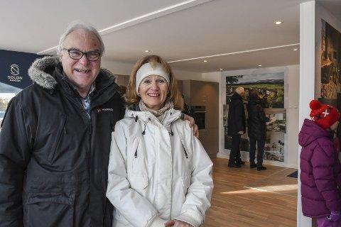 Fornøyde: Kristoffer Kvalheim og Liv Kristensen Kvalheim var godt fornøyd med hvordan Erletunet i Lier Hageby ser ut til å bli.