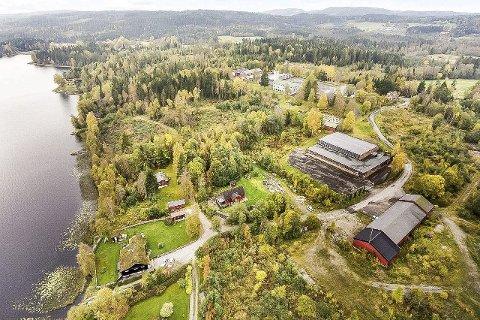 BEKREFTER SALG: Den 67 mål store Sivilforsvarstomta på Lierskogen er solgt for 28 millioner kroner. Det er fortsatt ikke kjent hvem som er kjøper. (Foto er hentet fra salgsprospektet)