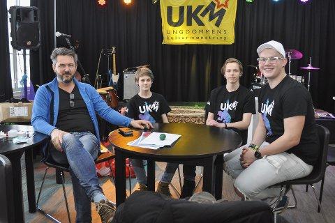 Klare for festival: Rune Drangsland, Jakob Bern, Christer Hovelsås og Marius Jarlhof har jobbet hardt fram mot helgens UKM-festival. Nå er de klare.