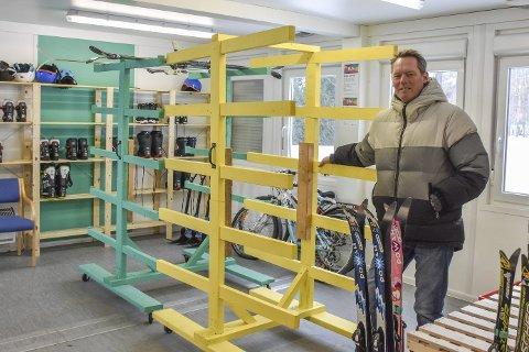 Uvant syn: BUA bugner vanligvis av utstyr, men her kan koordinator Rune Bjelkarøy fastslå at de så å si er tomme.