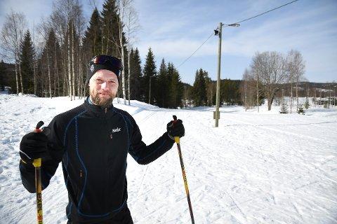 FIN TUR: Tore Stokke fra Sørumlia tok seg en runde om både Tverråsen og Storsteinfjell fredag, og melder om fine forhold. (Foto: Pål A. Næss)