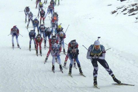 Dobbelt Lier IL i tet: Mats Øverby vant, og Vetle Rype Paulsen ble nummer seks under norgescupfinalen på Lillehammer lørdag. Her er Øverby i tet, fulgt av Rype Paulsen som nummer to på fellesstarten. Foto: Per Gunnar Øverby