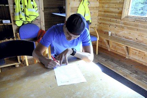 Sjeldenhet i Norge: At en norsk juniorløper i skiskyting får en slik avtale som Mats Øverby nå har fått med Rossignol er ikke dagligdags. Avtalen omfatter ikke bare ski, men også det han trenger av sko, klær, bager og sekker.