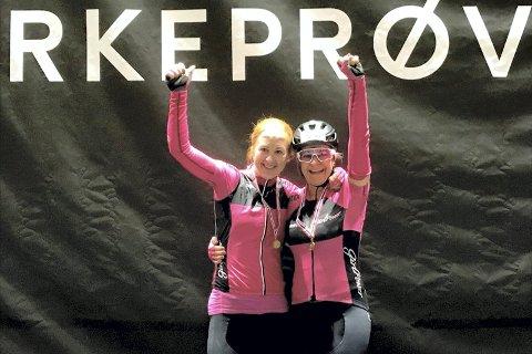 Rekord-jentene: Ann Kristin Strøm fra Sylling og Heidi Holmen Ask fra Egge, syklet Trondheim-Oslo på 17 timer og 56 minutter med laget Team Girlpower. I tillegg ble de begge nummer tre i sine årsklasser. Bilder: Vidar Olsen