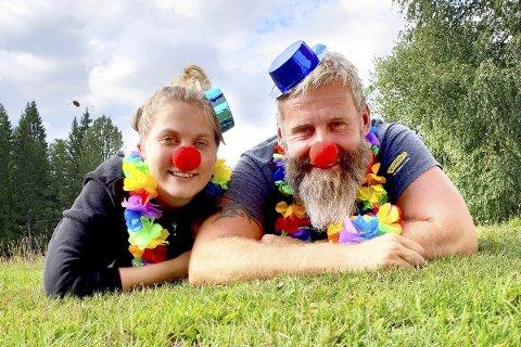 Superklare: Drivere av Eiksetra og Småtråkket-generaler Anne Nymoen Jensen og Sven Helgevold gleder seg til en dag full av lek og moro. Foto: Privat