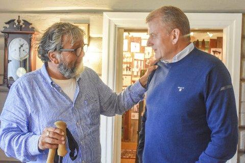 Godt møte: Knut Olaf Kals (t.v.) satte stor pris på ar skipresident Erik Røste tok turen til Haugstua, og inviterte ham til å komme tilbake ved en senere anledning.