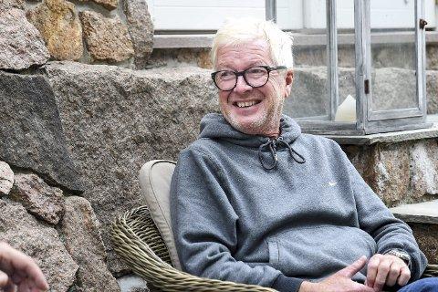 Hjemme: For første gang på 25 år tar Stein Harald Schie imot en journalist hjemme på Store Reistad, som han nå har solgt. – Jeg kan ikke forvente at folk skal forstå det livet jeg har levd, sier han.FOTO: PÅL A. NÆSS