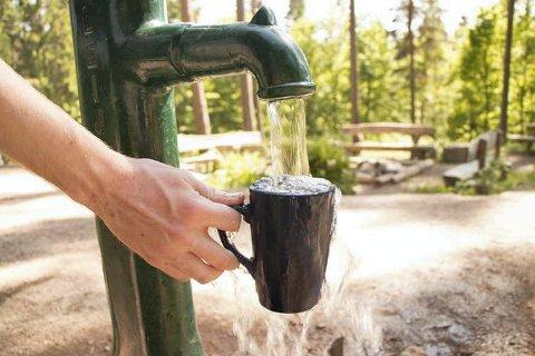 SER GODT UT: Men det er også en risiko knyttet til privat brønnvann. Nå ønsker kommunen at alle som ikke har kommunale vannforsyning om å registrere seg.