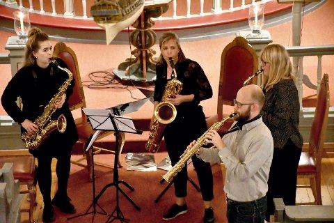 TIL ETTERTANKE: Current Saxofonkvartett åpnet konsertserien Musikk til ettertanke i Frogner kirke med solid og variert fremføring. Fra venstre: Anders Abelseth, Anja Nedremo, Silje Eckhoff Varhaug og Åshild Henriksen.