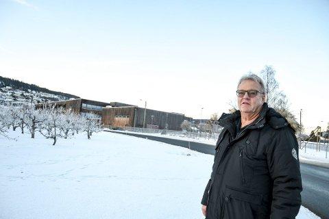 """""""HELT UTROLIG"""": I fem år har Knut Eilert Sørnes ventet på den avtalte kompensasjonen etter at han avga tomt til utvidelse av Jensvollveien."""