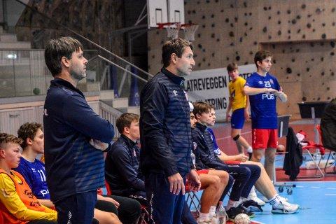 Vil beholde gutta i tre år til: Glenn Solberg og trenerkollega Vidar Bergland ønsker å beholde spillerne på Reistads gutter 16-lag frem til de går ut av videregående skole.   alt annet er uvesentlig, mener Solberg.
