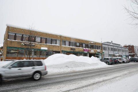 Plassmangel: Ifølge Viva blir denne snøhaugen ryddet i kveld eller i morgen.