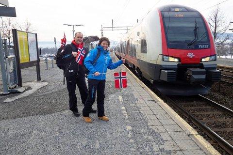 Wenche Backe (President Vikersund), Leif Arne Berget (Visepresident Vikersund), Lier stasjon