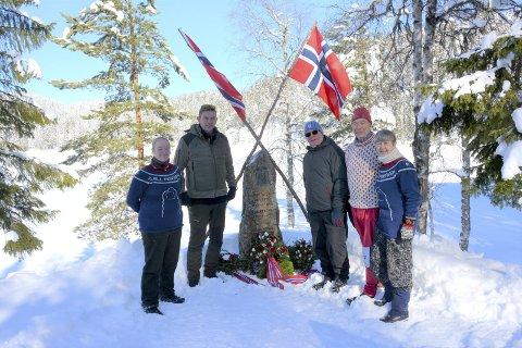 Verdig markering: Marka og vinteren viste seg fra sin beste side for Nukjua-markeringen. Fra venstre: Oddny Synnøve Moen, Bent Lønrusten, Harald Bjerke, Søren Thorne og Oddveig Pedersen Moen.