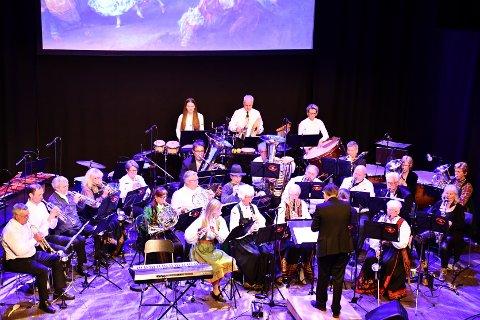 UNDERHOLDNINGSKORPSET: Lier janitsjar ga publikum en variert og fornøyelig konsertopplevelse på Lier kulturscene lørdag.