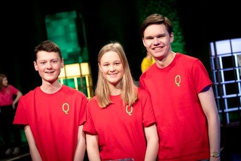 Andreplass: Sverre Strand (t.v.), Maria Helme og Henrik Strandrud Bjørnøy har gjort en imponerende jobb i Klassequizen på NRK.