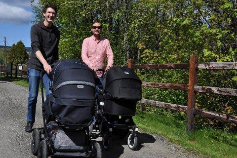 Perm-pappaer: Marius Næss Olsen (t.v.) med sønnen Andreas i vogna. Halvor Hjoberg med datteren Ane.