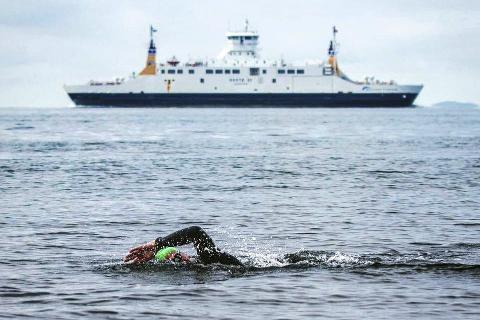 Ottar Røed fra Tranby er ikke enig i kritikken som har kommet mot arrangøren av svømmekonkurransen mellom Horten og Moss.