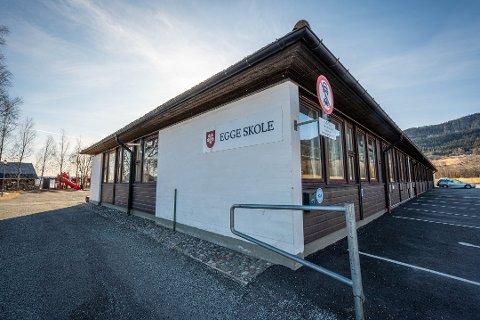 STOR PAKKE: Et enstemmig formannskap gikk inn for den store renoveringsløsning av Egge skole med en prislapp på 93 millioner kroner.