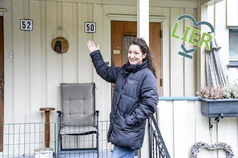Bollen-drømmen: Ranveig Lilaa Arntsen hadde aldri vært på Sjåstad før hun dro på visning i Bollen i 2014. Kort tid etter var hun den nye eieren av den historiske eiendommen på Sjåstad.  - Jeg falt for helheten, og hadde alltid drømt om et laftet hus, forteller Rannveig.