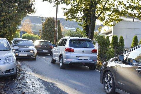 Kjellstadveien: Kommunen ønsker Kjellstadveien tilbake, blant annet så de kan vurdere trafikksikkerhetstiltak.