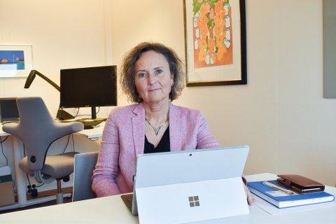 RESSURSER: Kommunalsjef Hanne Stubberud erkjenner at det er en utfordrende ressurssituasjon, men påpeker at Lier leverer forsvarlige tjenester.
