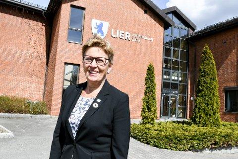 SISTE DAGEN: Og så var dagen kommet. Siste dag i april ble også den siste dagen for Anne Johanne Guldvik som rektor ved Lier videregående skole.