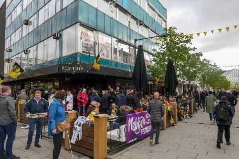 Folkefest: Det blir garantert livlig i Lillestrøm sentrum før lørdagens storkamp mellom LSK og Vålerenga.