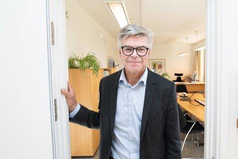 STENGER: Skedsmo kommune har valgt å stenge den populære byggesaksvakta i 11 uker fremover. Årsaken er stor pågang kombinert med kommunesammenslåing. Rådmann Erik Nafstad sier det ikke er glad for avgjørelsen.