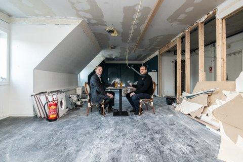SKAL BYGGES OM: Tredje etasje hos Mirabel blir møtelokaler. Rolf Holm (t.v.), daglig leder i Lillestrøm Delta (som eier bygget) og Omar El-Khatib, daglig leder hos Mirabel.