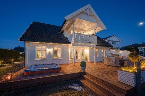 Populær: Fire budgivere kjempet om denne eiendommen i Lillestrøm, som til slutt ble solgt 700.000 kroner over takst.