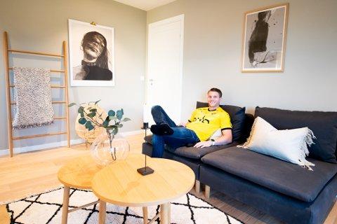 BY PÅ DETTE: Bjørn Bergmann Sigurdarson ber alle LSK-supportere om å ta en ekstra titt på huset i Inges gate i Lillestrøm, som legges ut for salg på søndag. En god salgssum kan gi hundretusener til klubben.